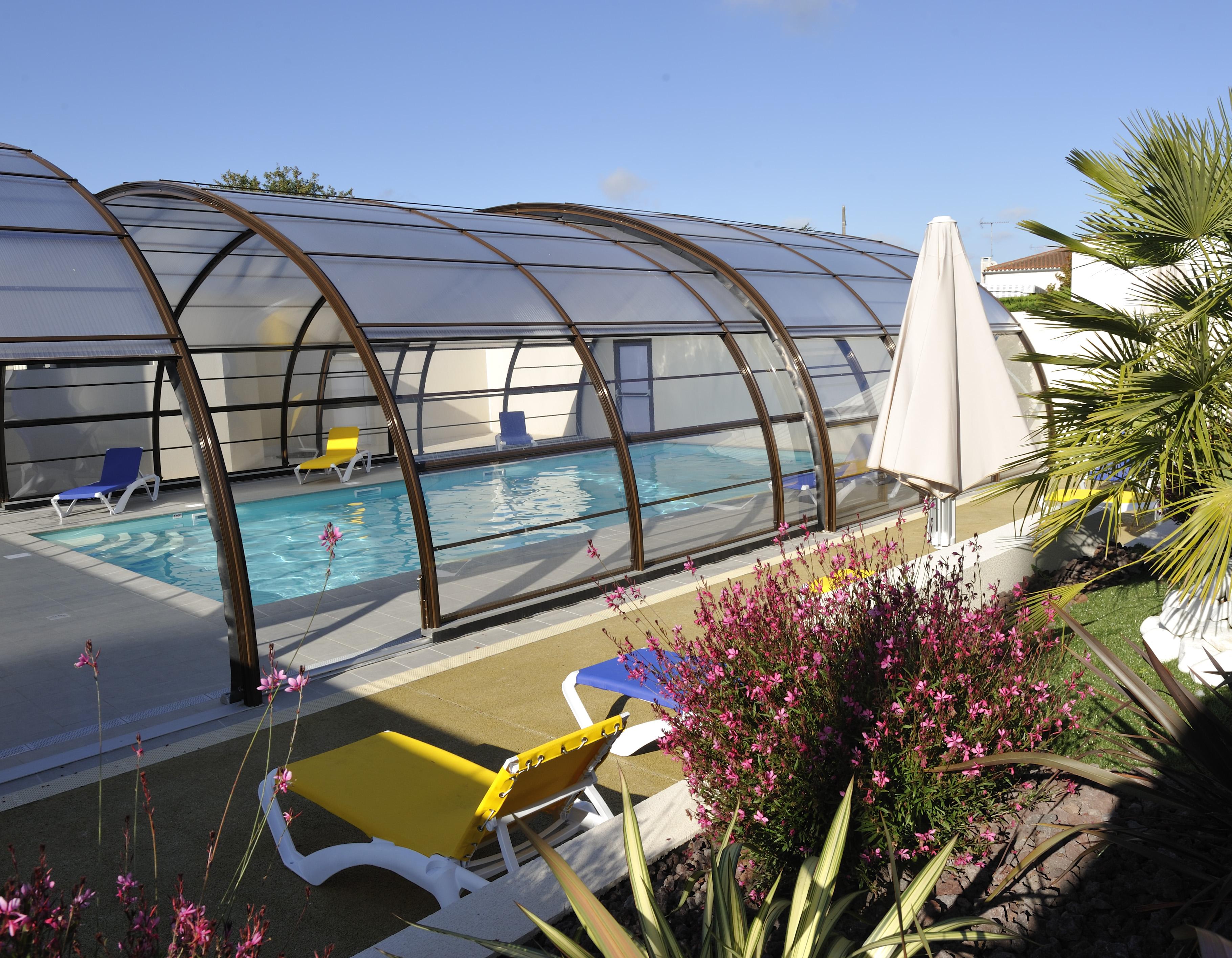 Camping avec piscine couverte et chauff e br tignolles sur mer - Camping avec piscine couverte chauffee ...