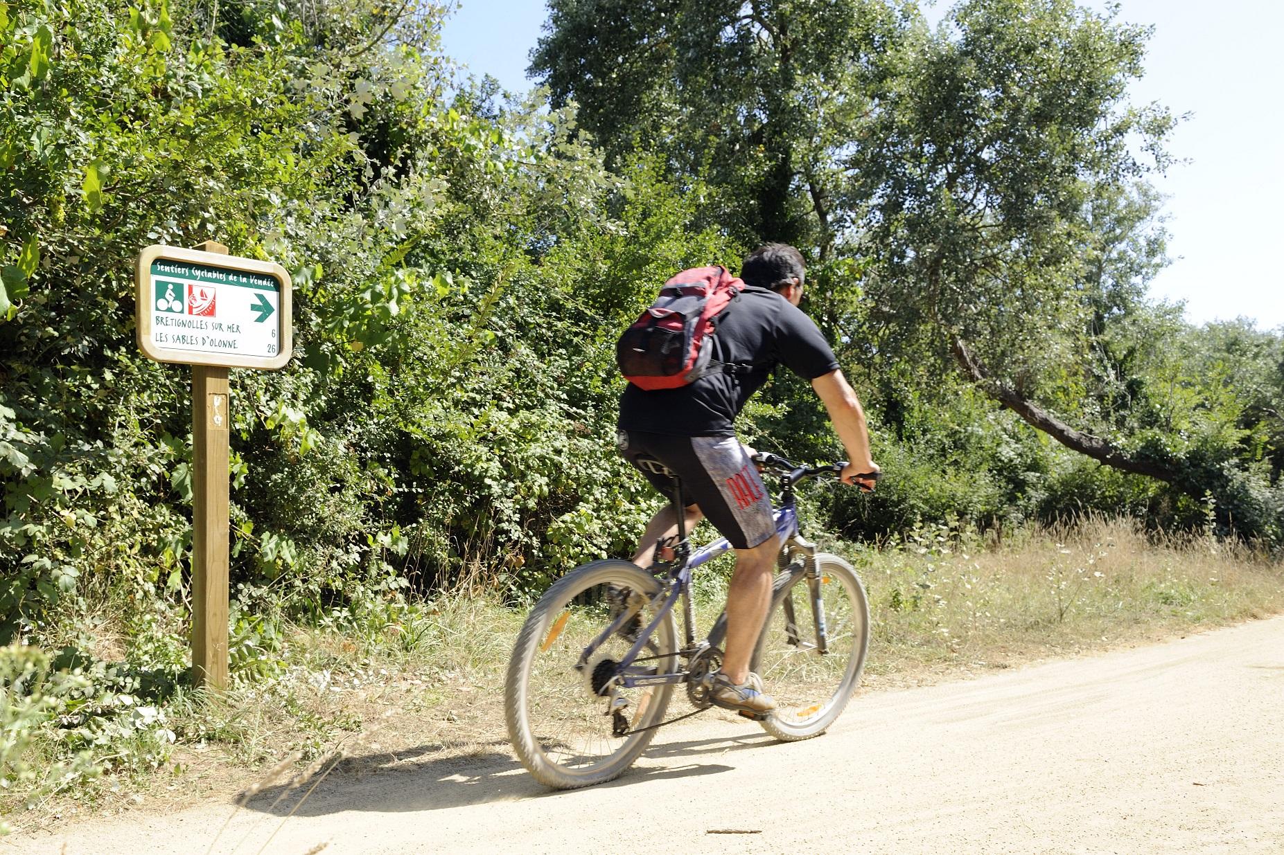 Partez en toute sérénité sur les pistes cyclables de Brétignolles sur Mer à la sortie du Camping L'Eden